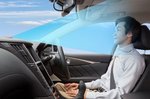 Nissan запускает автопилот для автобанов на первой модели