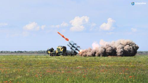 Ракетный комплекс «Нептун» на новом украинском шасси прошел огневые испытания