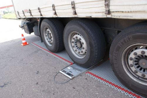 На въездах в Киев установили 5 систем весового контроля