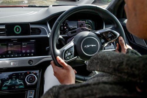 Искусственный интеллект будет менять настройки автомобиля в зависимости от настроения водителя
