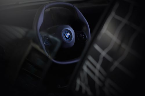 В BMW придумали новый руль
