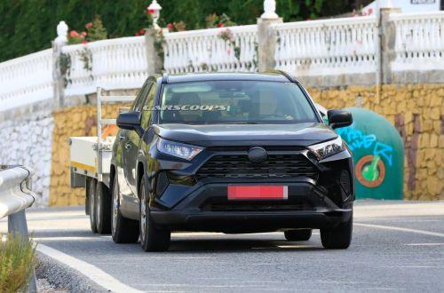 Toyota заканчивает тесты подзаряжаемого гибрида RAV4