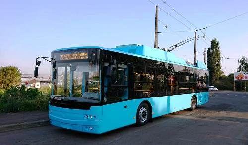 «Богдан» передал первые троллейбусы в Хмельницкий