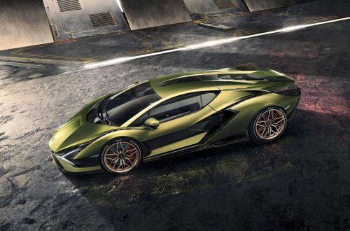 Lamborghini представила самый мощный спорткар в своей истории