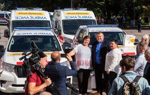Медики получили еще 20 автомобилей скорой помощи
