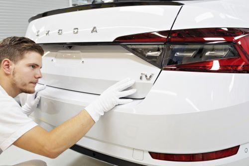 Skoda запустила производство своего первого гибридного автомобиля