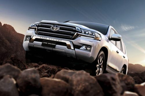 Toyota опровергла информацию о скором дебюте Land Cruiser