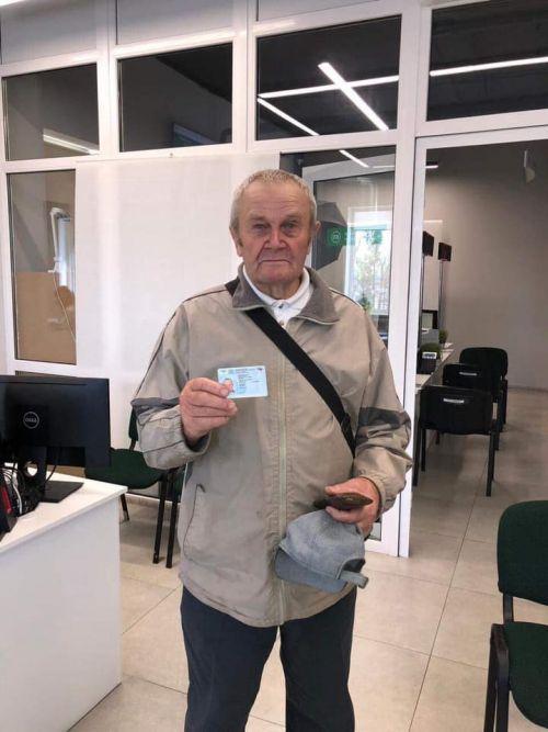 В Украине 83-летний дедушка сдал на права с первого раза