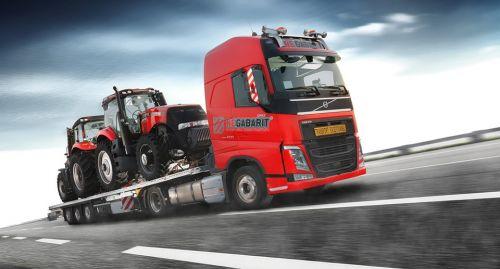 Компания по негабаритным перевозкам обновляет парк грузовиками Volvo Trucks