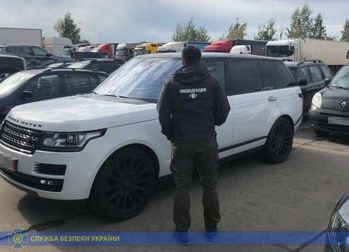 СБУ прикрыла канал поставки в Украину иномарок, через который успели провести 400 автомобилей