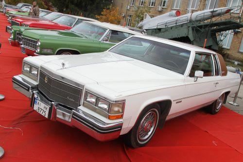 Какие уникальные автомобили показывают в этом году на фестивале OldCarLand в Киеве