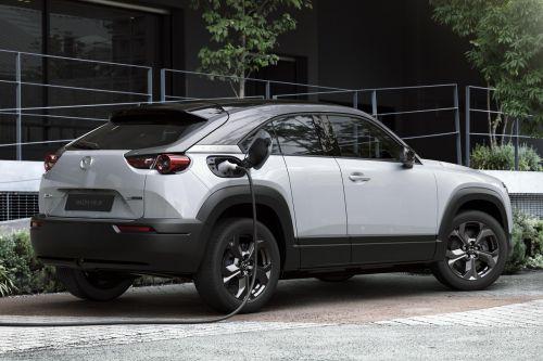 Mazda представила свой первый электрокроссовер - Mazda