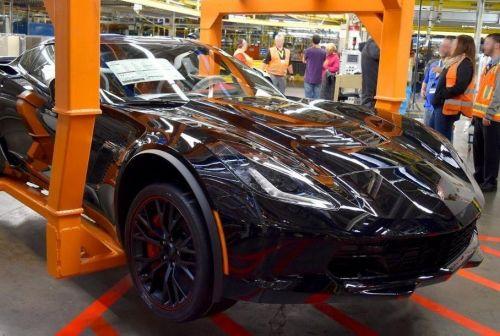 Corvette уже не тот: Chevrolet собрал последний переднемоторный спорткар