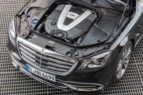 В новом поколении Mercedes-Benz S-Class останется двигатель V12