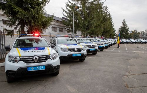 США передали национальной полиции Украины 88 автомобилей