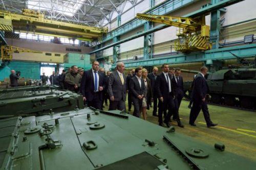 Минобороны получило 12 бронетранспортеров БТР-4Е - БТР