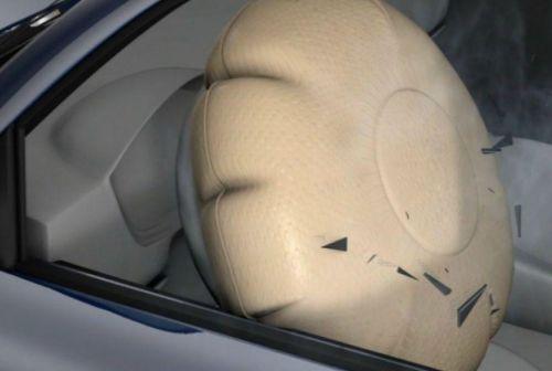 В США для замены подушек безопасности отзовут 10 млн. авто