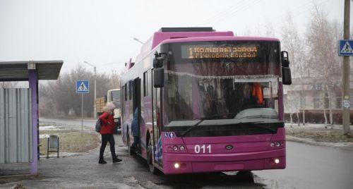 В Кременчуге протестировали автономный ход троллейбуса. Сколько может пройти Богдан Т70117 без контактной электросети