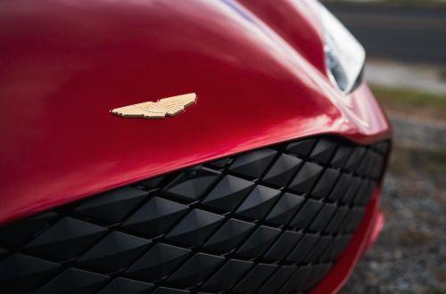 Кто стал крупнейшим акционером Aston Martin