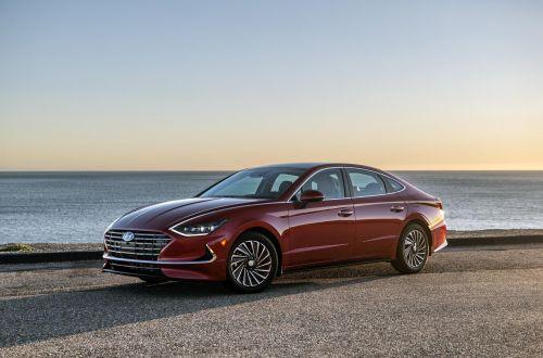Новая Hyundai Sonata проедет на одном баке более 1000 километров