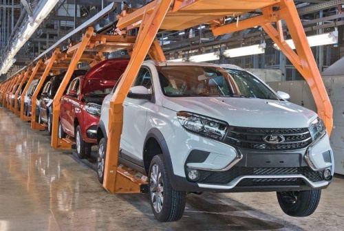 АвтоВАЗ вынужден остановить выпуск нескольких моделей из-за низкого спроса
