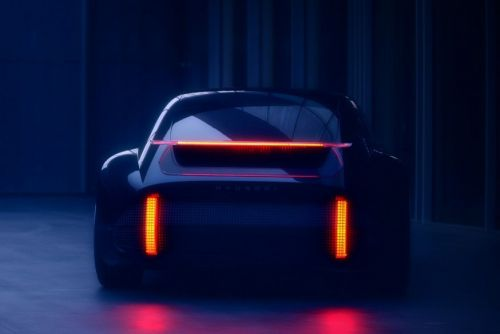 Hyundai представит в Женеве спортивный концептуальный электрокар