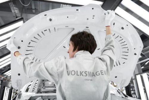 Volkswagen останавливает завод в России