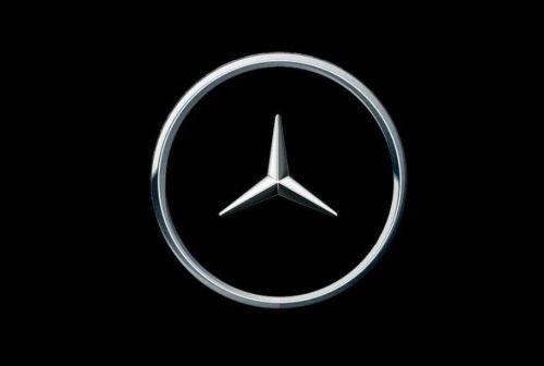 Mercedes-Benz тоже изменил логотип из-за коронавируса