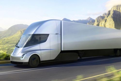 Tesla отложила запуск производства электрического грузовика