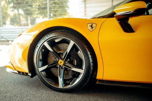Ferrari разрабатывает первый электрический суперкар в истории бренда