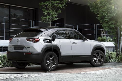 Первый электрокроссовер от Mazda оказался значительно дешевле конкурентов