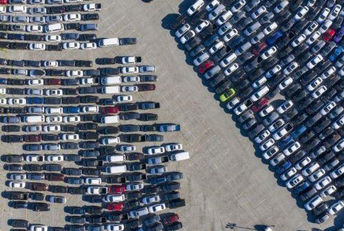 Что делают с непроданными автомобилями в США