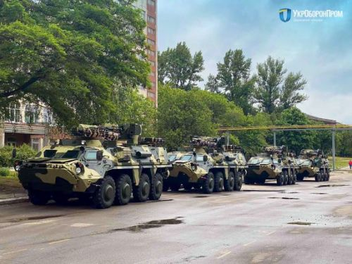 """""""Укроборонпром"""" передал Минобороны новую партию БТР-4Е"""