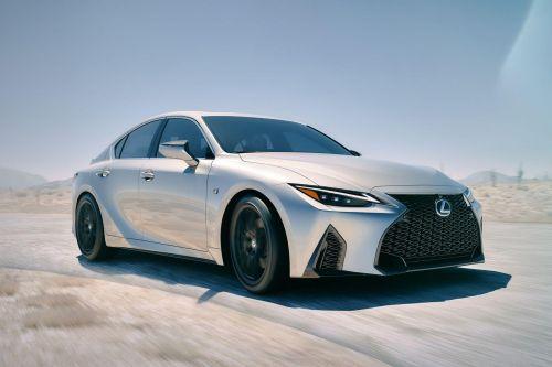 Lexus представил новое поколение седана IS