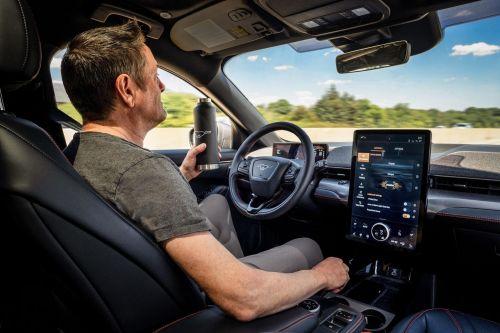 Ford Mustang Mach-E с 2021 года получит серийный автопилот начального уровня