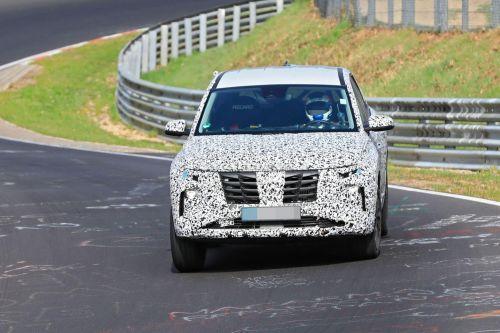Новое поколение Hyundai Tucson дебютирует уже в августе. Что известно о двигателях новинки