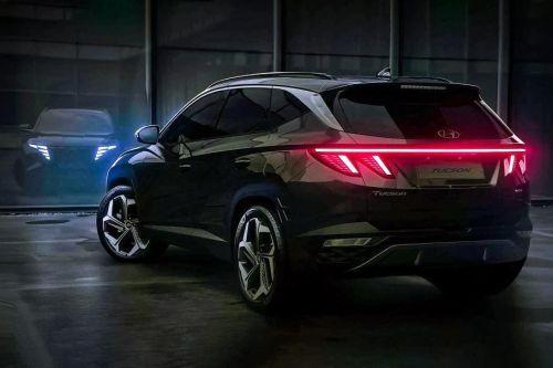 Hyundai продолжает интриговать новым поколением Tucson. Каким он будет