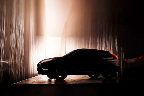 Mitsubishi анонсирует дебют обновленного Eclipse Cross