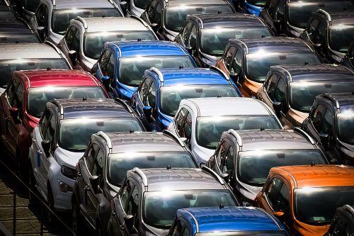 Как менялись предпочтения по цветам автомобилей с 90-х по наше время