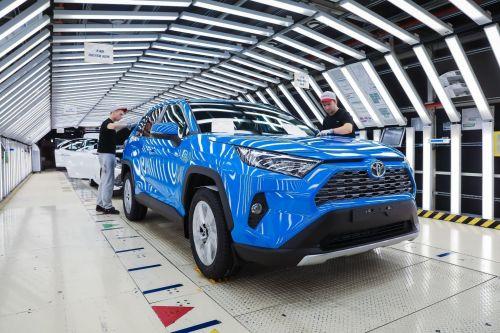 Toyota в 2020 году осталась самым дорогим автомобильным брендом. Кто еще в топ-списке
