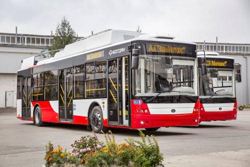 Луцк получил первые два троллейбуса Богдан Т70117