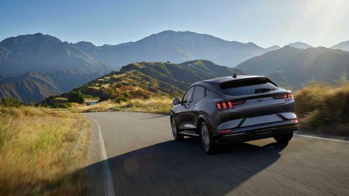 Ford анонсировал появление недорогих электромобилей уже в ближайшее время