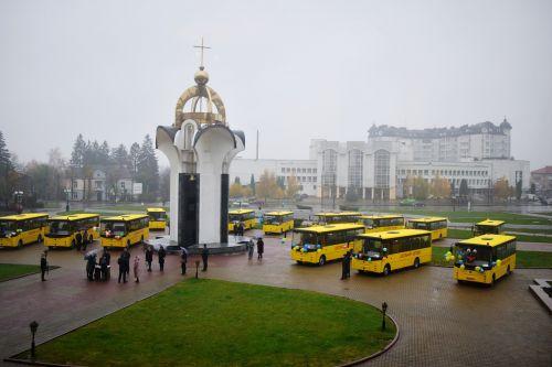 Волынских школьников будут возить на автобусах «Богдан»