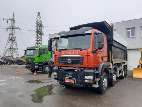 Новый самосвал SITRAK C7H будет строить дороги в Одесской области