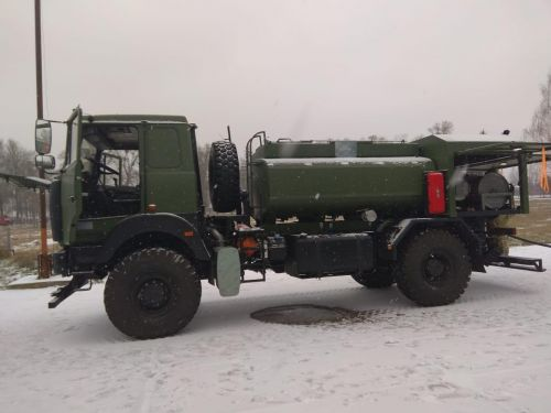 Пограничники закупили два топливозаправщика на базе МАЗ - МАЗ