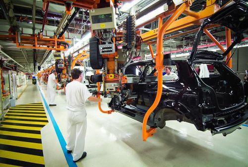 В автоиндустрии возник огромный дефицит полупроводников. Под угрозой планы производства - автопром