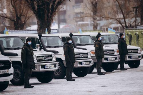 Подразделения Национальной Гвардии получили патрульные внедорожники Toyota Land Cruiser 79