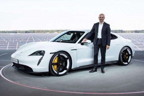 """Porsche потратит миллиарды евро, чтобы к 2030 году перевести производства на """"зеленую"""" энергетику. Поставщикам тоже придется перейти на новые стандарты"""