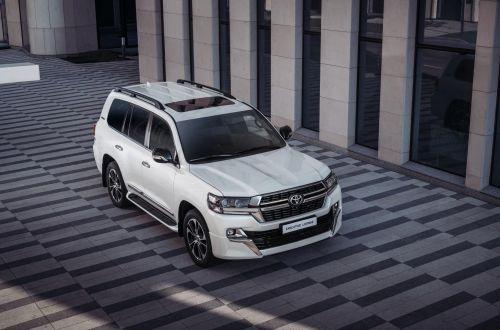 Toyota завершила прием заказов на Land Cruiser 200. Ему на смену приходит новая модель
