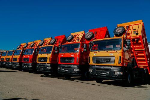 Украина вводит специальную пошлину на автобусы и грузовики из Беларуси